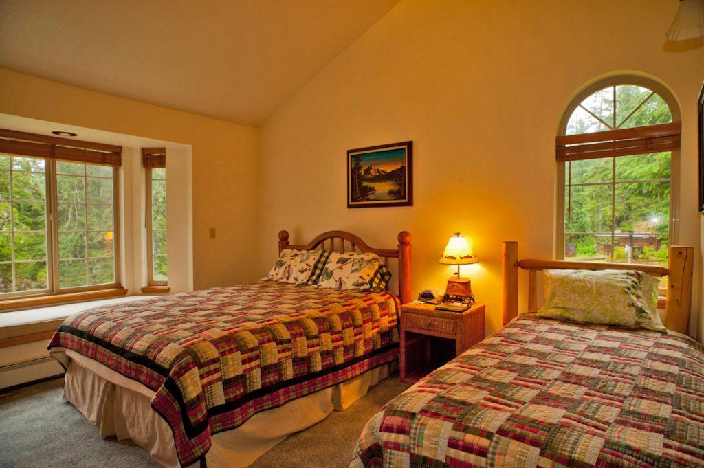 Aurora suite bedroom